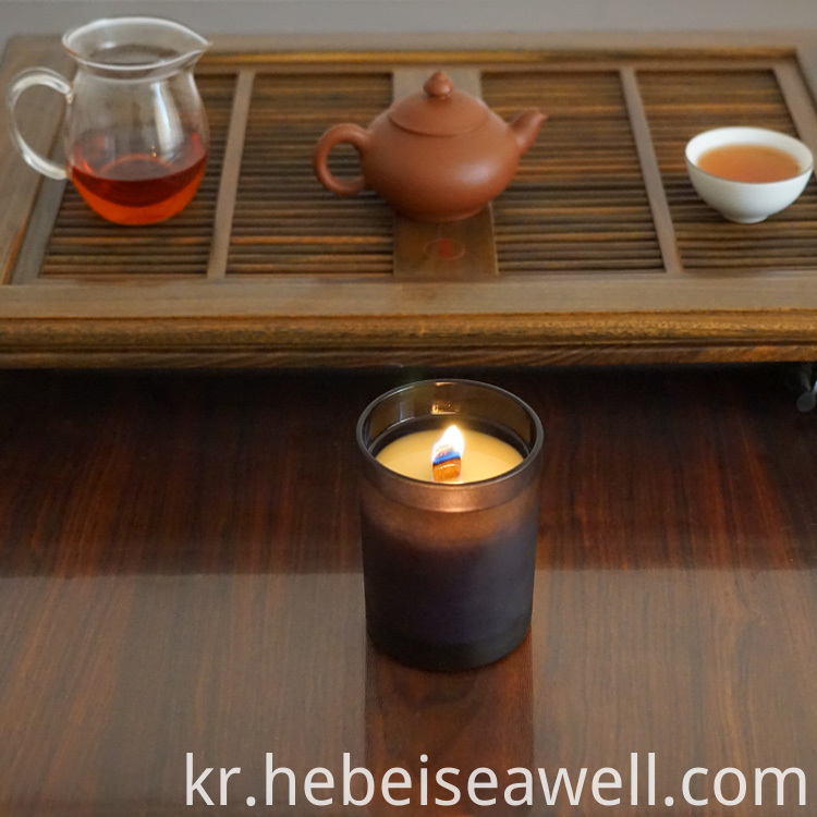 scented wood wick candles (1)