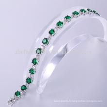 Le bracelet en laiton de bijoux de costume bénéficie des bracelets verts