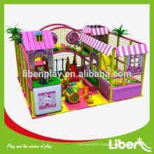 Thème de la forêt, enfants, intérieur, aire de jeux, matériel de jeux, structure de jeu pour enfants pour les jeux