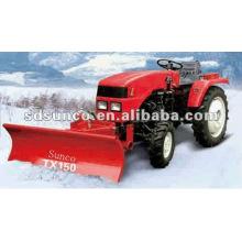 Schneeschaufel und Heckkehrmaschine