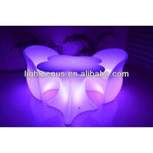 Blinkender LED-Stuhl im Freien