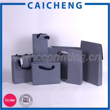 Flacher Handgriff kundengebundenes Designeinkaufsgeschenk druckte Kraftpapierbeutel