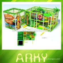 2015 vente chaude de jeux pour enfants aire de jeux couverte jouer au château structure de jeu souple