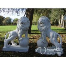 Arte de piedra jardín León de mármol blanco caminando en una estatua de bola para la venta caliente