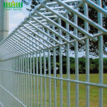 Welded Rolled Top berkualiti tinggi BRC Wire Mesh Pagar
