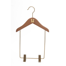 BSCI factory baby garment display kids wooden clothes hanger with trouser bar or clips