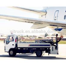 Camion de lavabo d'aéroport d'automoteur / camion de service de toilette / camion de toilette de toilette de WC de vide / véhicule de toilette