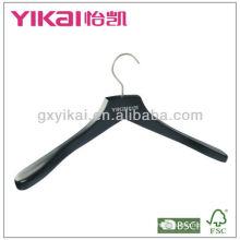 2013 Neuer Style mattierter schwarzer hölzerner Kleiderbügel