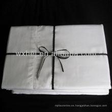 Sábanas de cama de algodón o lino de algodón de color blanco de lujo