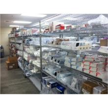 Porte-étagères d'hôpital et de pharmacie NSF réglables en acier chromé