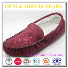2016 popular faux suede with embroidery warm handmade indoor woman slipper moccasin