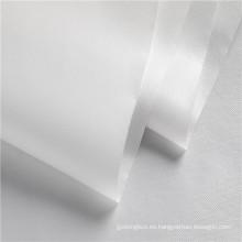 Costura de tela no tejida consolidada