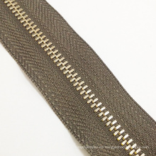 2016 Color de café de cadena larga cremallera de metal para prendas de vestir