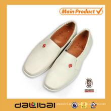 Atacado china preço barato homens sapatos vestido de couro branco