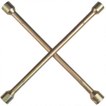 Clé cruciforme plaquée zinc
