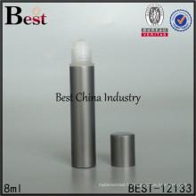 rouge vert bleu noir couleur 8 ml rouleau sur la bouteille de verre de parfum