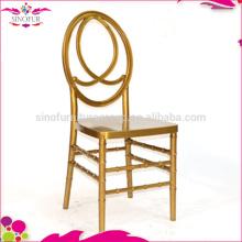 Chaise à phoenix empilable à louer