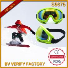 S5675 Glänzende Farbe eine ganze Linse männlichen Stil Ski Goggle hergestellt in China