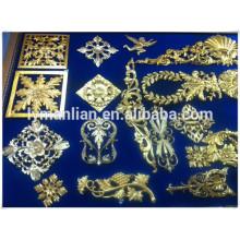 moulure en bois sculpté / moulures en bois couronne / meubles utilisation décor résine fleur