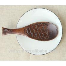 Divertida cuchara de madera de bebé tallado animal