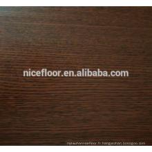 Revêtement de sol en bois multicouches en chêne à trois couches