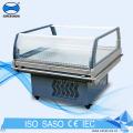 Porta de vidro com mini congelador portátil nas rodas