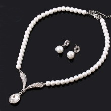 Hot Sale Pearl Necklace and Earring Set