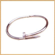 Braceletes de ouro amarelo de aço inoxidável prego forma braceletes para senhoras em todo o mundo