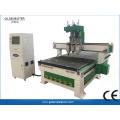 Máquina de roteador CNC de três cabeças