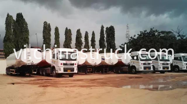 CHINA FAW tractor truck with 45000 liters oil tank trailer