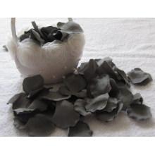Pétalas de flor artificiais originais da cor cinzenta