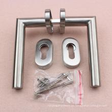 Puerta estrecha Material de acero tubular Manija de la puerta Vintage Hardware en escucheon oval