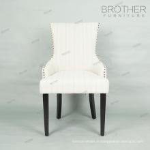Gros beige antique haut fauteuil en bois retour tufté à manger chaise