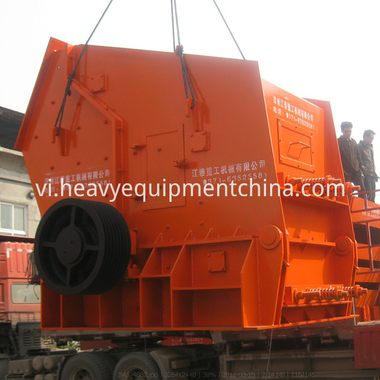 impact crushing machine