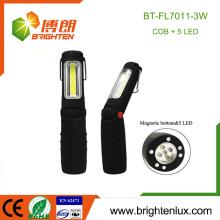 Fuente de fábrica 3 * AAA Material ABS usado 5 LED y COB Luz de trabajo llevada portable de la batería con la base magnética
