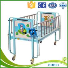 luxurious castor and rectangular headboard hospital Pediatric beds