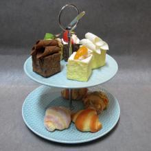 Plato de soporte de pastel de cerámica de 2 niveles