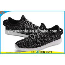 Novos produtos Popular Design Light Sneaker piscando sapatos LED Light Up para presente