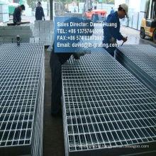 Galvanised Electroforged Metal Gratings for Walkway