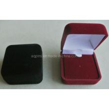 Черный / красный бархат Pin Box