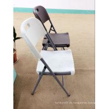 Rattan Klappstuhl, weißer Korbstuhl, HDPE Kunststoff Faltbarer Stuhl mit Rattan Design