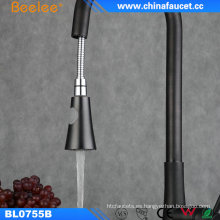 China Kitchen Faucet Orb extrae el grifo negro