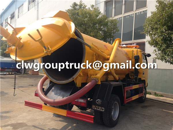 Vacuum Sewage Suction Car