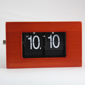 Mini Flip Clock de bambú