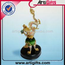 Figurine en jade dragon doré 3D personnalisée