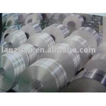 rodillo enorme de papel de aluminio envase