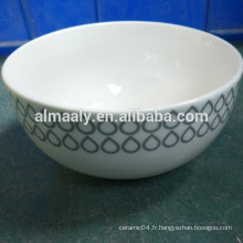 Bol de nouilles en céramique blanche