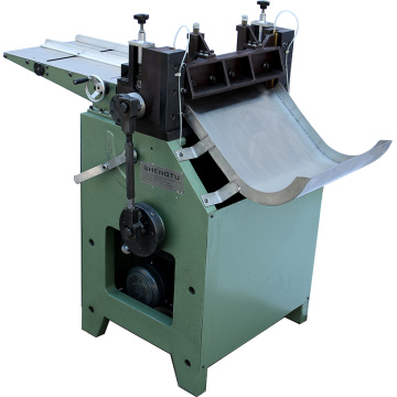 Pusat Board Cutting Machine