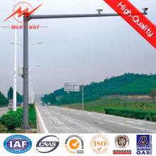 Poste de sinalização de material em aço para segurança na pista