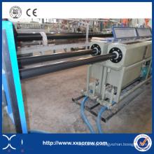 Tubo de PVC que faz a extrusora da máquina